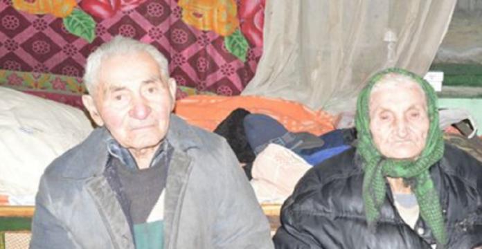 Aceşti bătrânei au decis să divorţeze, după 40 de ani de căsnicie. Motivul? Mi-au dat lacrimile… Ce poveste!